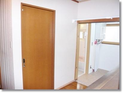 【トイレリフォーム】弘前市U様邸、バリアフリーに配慮したトイレルームの施工例